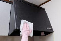 キッチンの換気扇、どれくらいの頻度での掃除が正解? 簡単なやり方は?