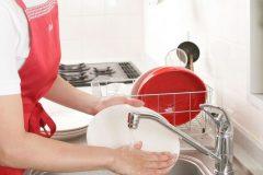 食器洗いで手荒れが起こる原因はなに?