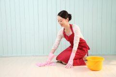 雑巾がけは雑菌を広げるだけって本当?
