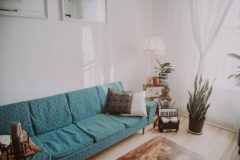 大切な家具ソファーをクリーニングする方法と料金相場の注意点は?