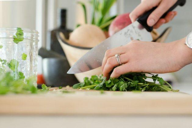 【家事のコツ】料理・掃除・洗濯を賢く「時短」するテクニック