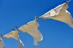 共働き家庭の「平日洗濯干し」のタイミングや干す際の工夫とは?