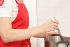 換気扇のフィルターの掃除は熱湯を使ってもいい?