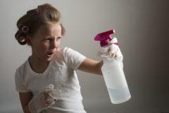 お風呂掃除で水垢汚れを取るには重曹が良い?