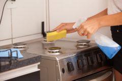 【秋掃除のススメ】実は秋も増えるキッチン周りのカビや雑菌!汚れ別に対策を