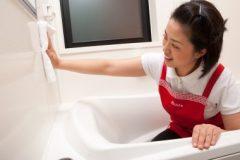 お風呂掃除で床の水垢を落とす方法とは?