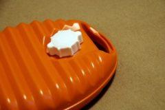 寒い冬に重宝する「湯たんぽ」は節電&乾燥対策におすすめ!