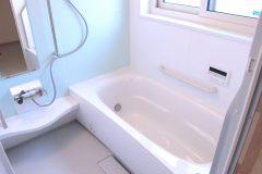 今日からできる!お風呂の【カビ取り】掃除方法4選