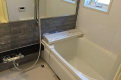 お風呂掃除でクエン酸を使うと鏡がピカピカになる?